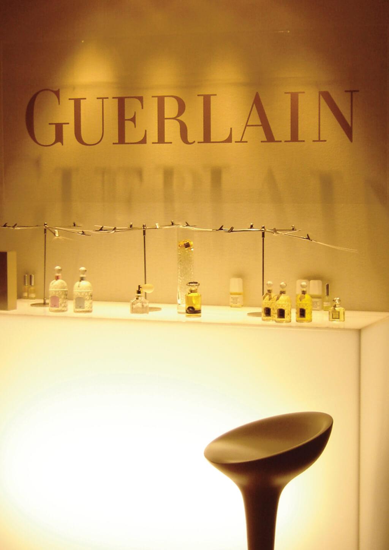 <p>Parfums Guerlain : Lancement et inauguration de flagship Guerlain aux Champs Elysées</p>